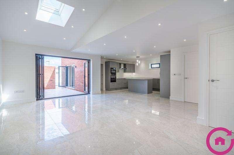 2 Bedrooms End Of Terrace House for sale in Windsor Street, Cheltenham