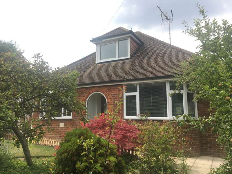2 Bedrooms Detached Bungalow for sale in Kingsmead Road, Loudwater, HP11