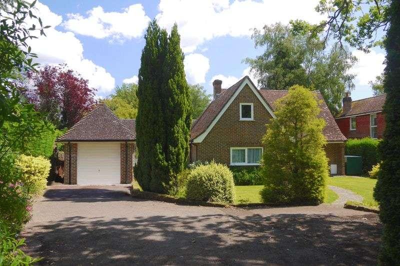 3 Bedrooms Property for sale in Chalk Road, Billingshurst