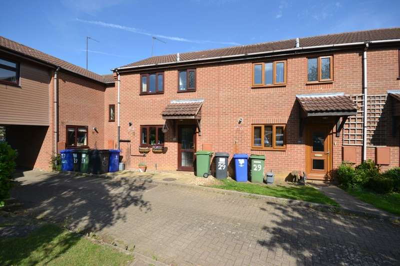 3 Bedrooms Property for sale in Brick Kiln Close, Towcester, NN12