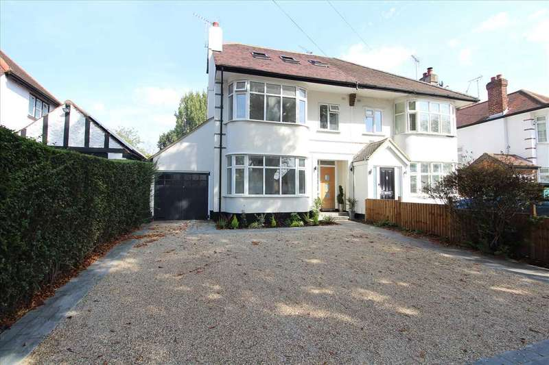 4 Bedrooms Semi Detached House for sale in Prittlewell Chase, Southend on Sea