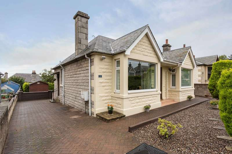 3 Bedrooms Bungalow for sale in Lyndhurst Place, Dundee, Angus, DD2 3HQ