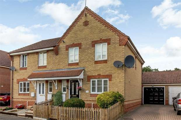 3 Bedrooms Semi Detached House for sale in Mallow Road, Thetford, Norfolk
