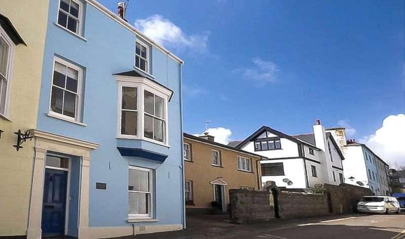 4 Bedrooms End Of Terrace House for sale in Battersea House, St. Marys Street, Tenby, Pembrokeshire