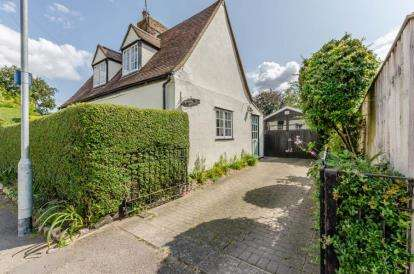 2 Bedrooms Detached House for sale in Harlton, Cambridge, Cambridgeshire