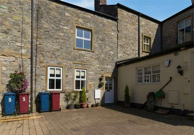 2 Bedrooms Terraced House for sale in Ribblesdale Court, Gisburn, Clitheroe, Lancashire