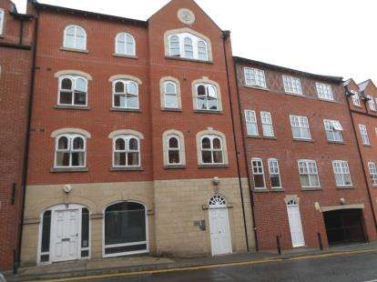 2 Bedrooms Flat for sale in Kingsway, Altrincham, Greater Manchester