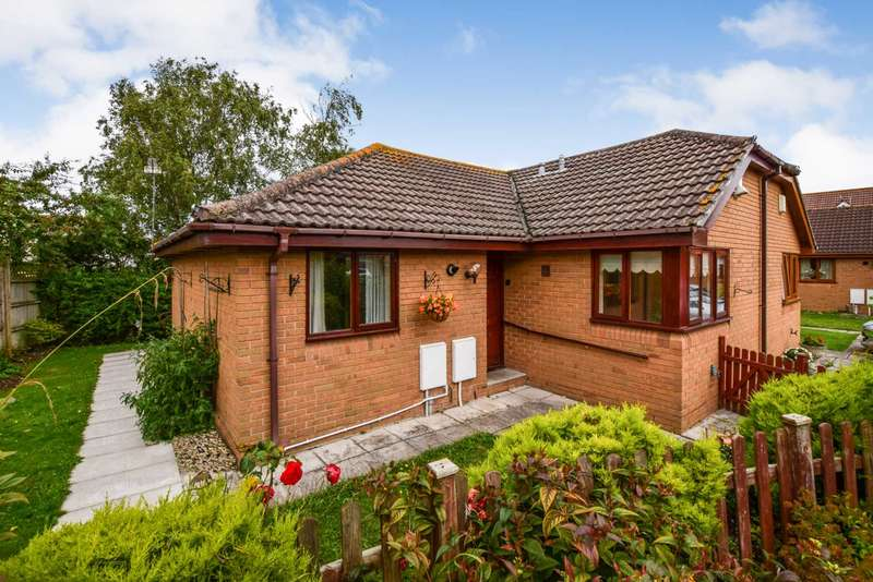 2 Bedrooms Bungalow for sale in 5 Orchard Close, Congresbury, North Somerset, BS49 5JZ