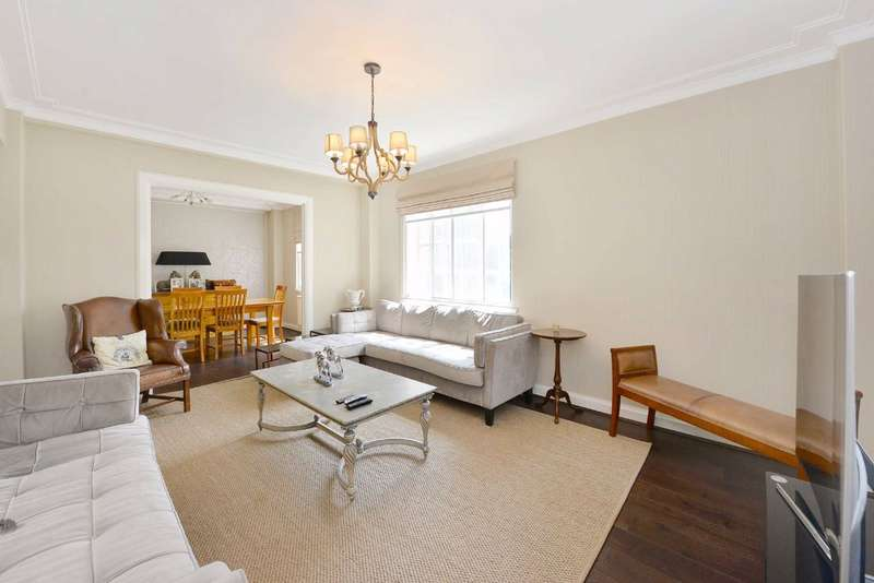 3 Bedrooms Flat for sale in Cropthorne Court, London, W9