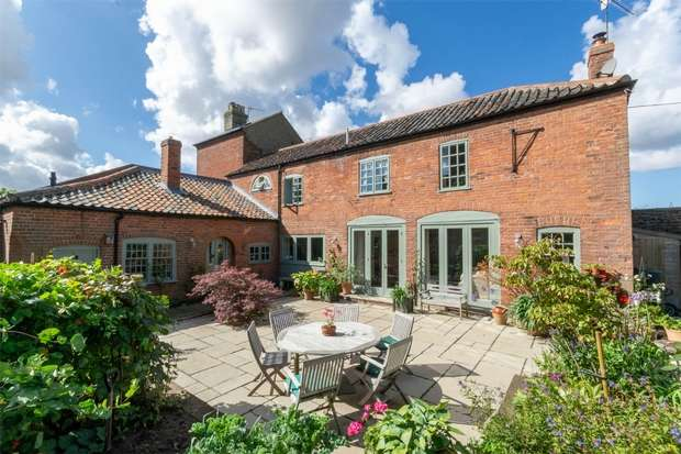 2 Bedrooms Semi Detached House for sale in Wells-next-the-Sea