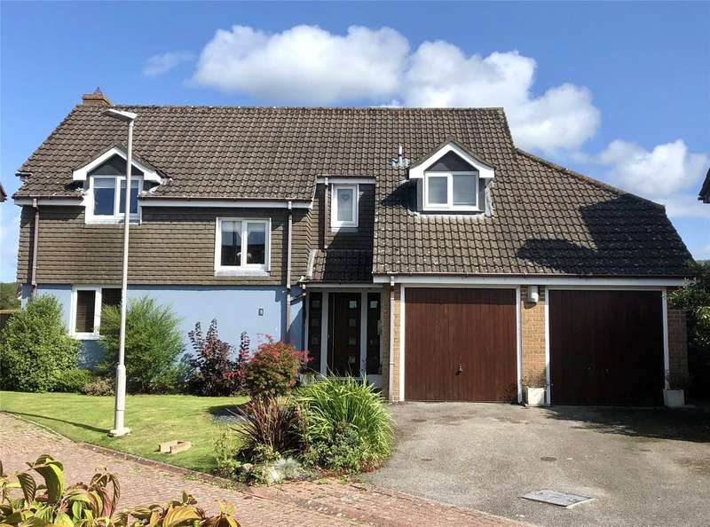 4 Bedrooms Detached House for sale in Glebe Gardens, Motcombe, Shaftesbury, SP7