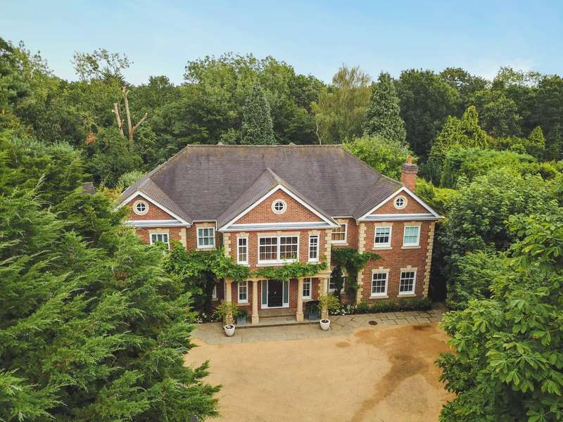 6 Bedrooms Detached House for sale in The Quillot, Burwood Park, Walton on Thames, KT12