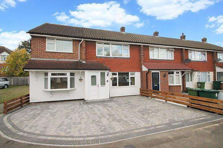 4 Bedrooms End Of Terrace House for sale in Bingley Road, Sunbury-On-Thames, TW16
