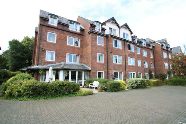 1 Bedroom Retirement Property for sale in Regent Court, Groby Road, Altrincham