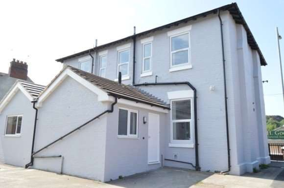 9 Bedrooms Property for rent in London Road, Newcastle, Newcastle-Under-Lyme