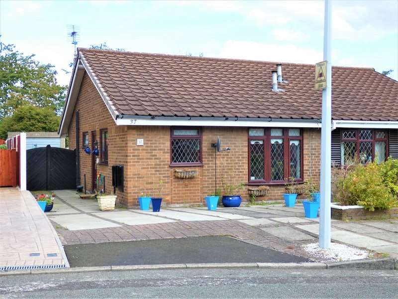 2 Bedrooms Bungalow for sale in Betchworth Crescent, Runcorn, Cheshire, WA7