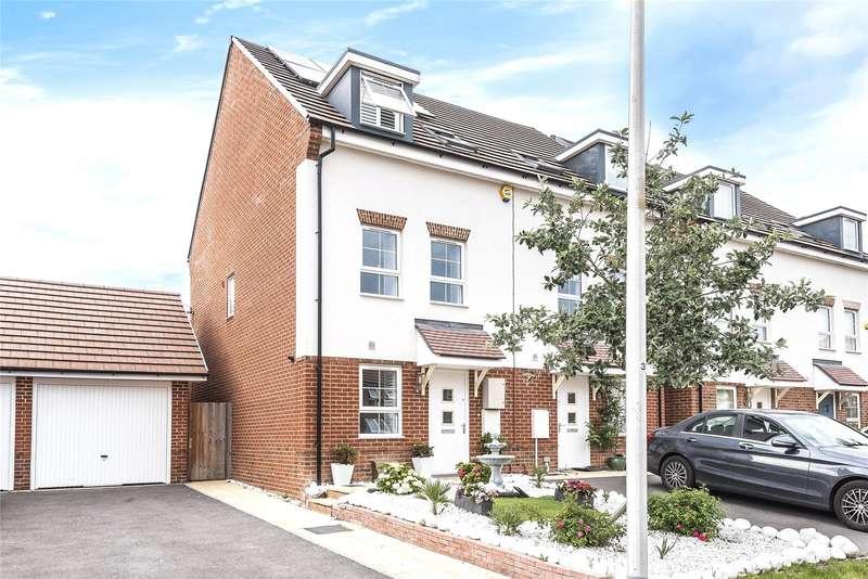 3 Bedrooms Semi Detached House for rent in Planner Walk, Wokingham, Berkshire, RG40