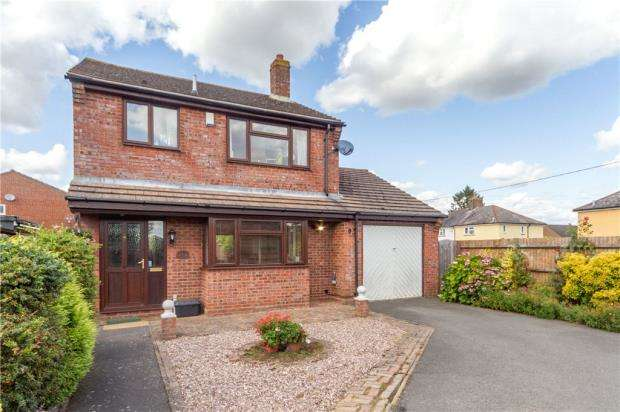 3 Bedrooms Detached House for sale in Marcourt Road, Stokenchurch, High Wycombe