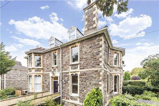 1 Bedroom Flat for sale in Redland Grove, Redland, Bristol, BS6 6PT