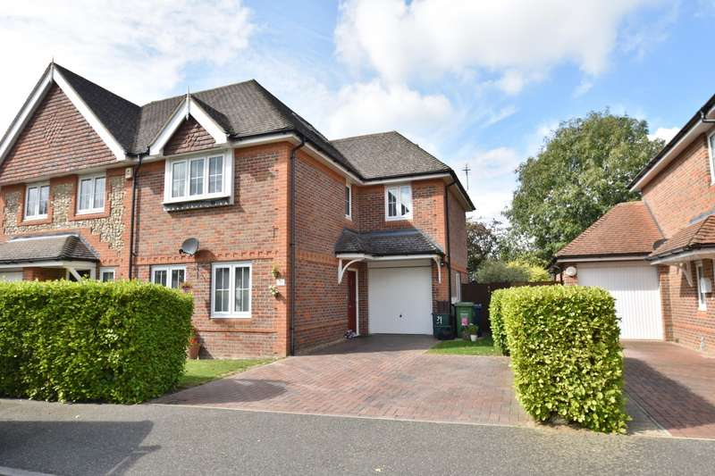 4 Bedrooms Semi Detached House for sale in Groves Way, Chesham, HP5