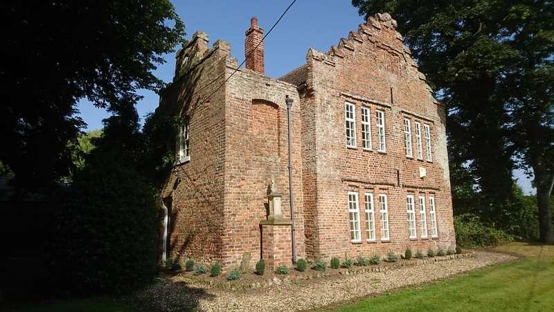6 Bedrooms Detached House for sale in North Road, Halsham