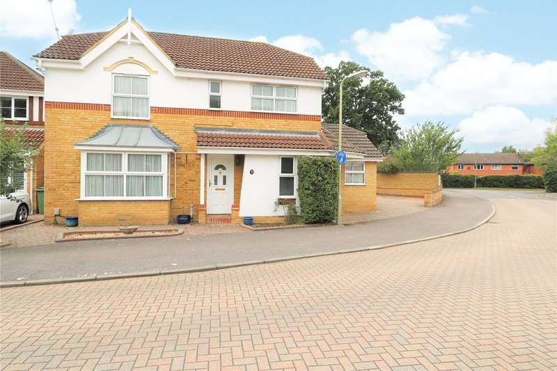 5 Bedrooms Detached House for sale in Broadmead, Farnborough, Hampshire, GU14