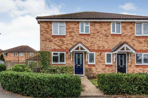 3 Bedrooms Semi Detached House for sale in Elder Close, Beeston, Sandy, Bedfordshire