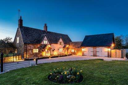 4 Bedrooms Detached House for sale in Main Street, Oxhill, Warwick, Warwickshire