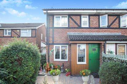 1 Bedroom House for sale in Swan Mead, Luton, Bedfordshire