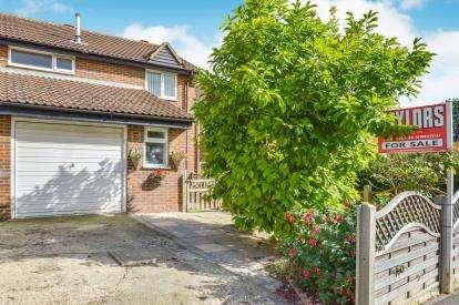 3 Bedrooms Semi Detached House for sale in Grizedale, Heelands, Milton Keynes, Bucks