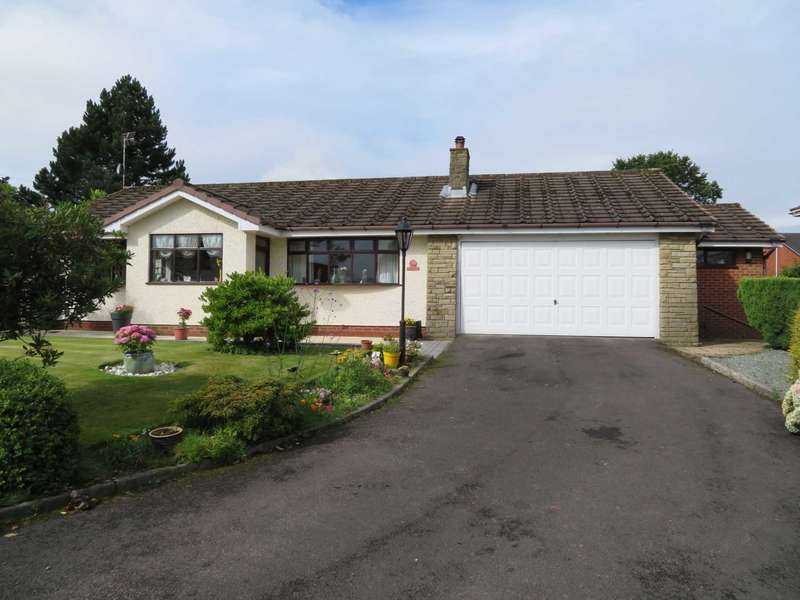 3 Bedrooms Detached Bungalow for sale in Moorfield Hamlet, High Crompton