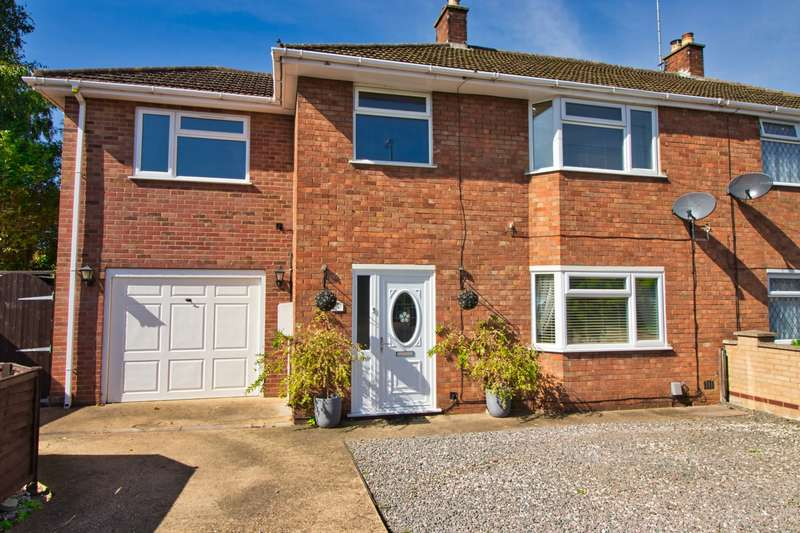 4 Bedrooms House for sale in Northgate Close, Whittlesey, PE7