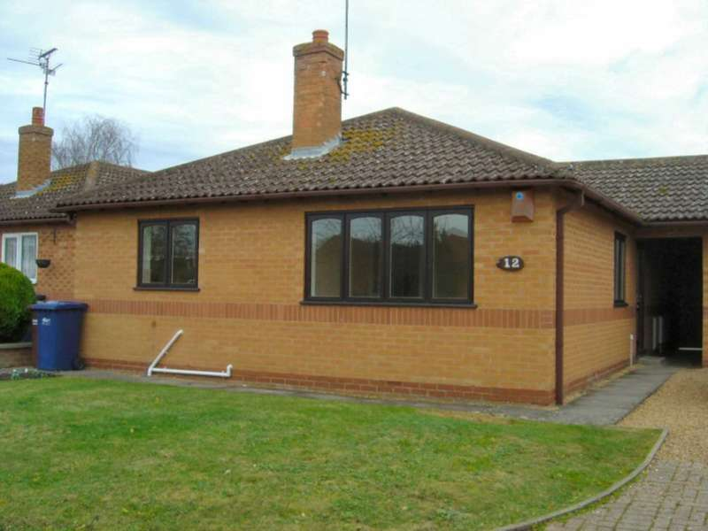 2 Bedrooms Bungalow for rent in James Gage Close, Chatteris PE16