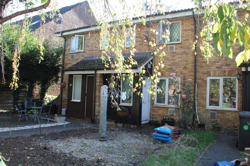 1 Bedroom Property for sale in Tall Trees, Colnbrook, Slough, SL3