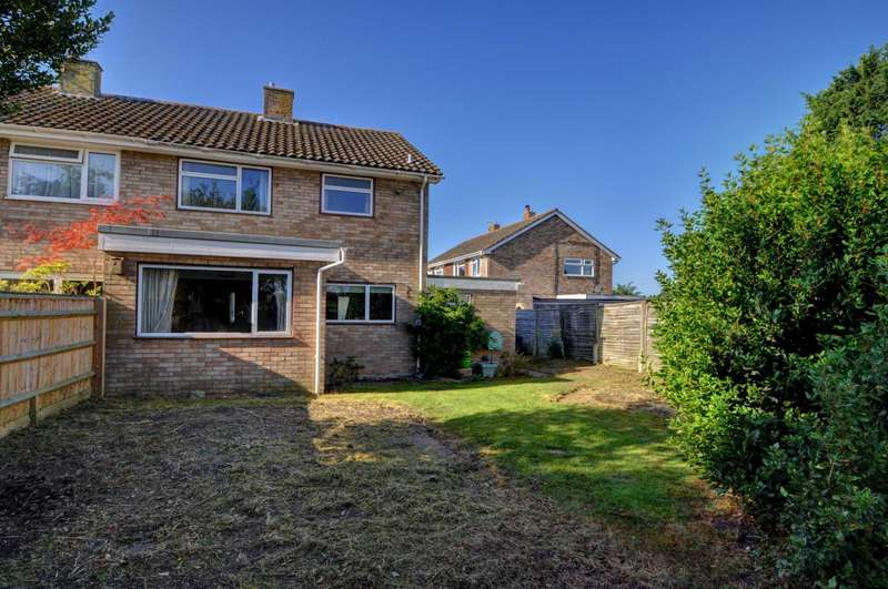 3 Bedrooms Semi Detached House for sale in Mount Way, Princes Risborough