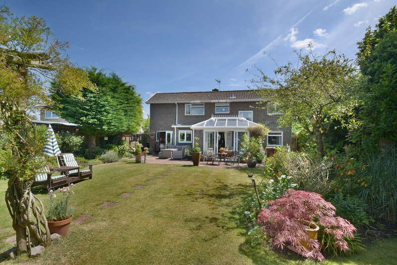4 Bedrooms Detached House for sale in Needham Road, Harleston