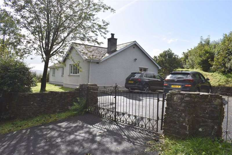 3 Bedrooms Detached Bungalow for sale in Llanwenog, Llanybydder