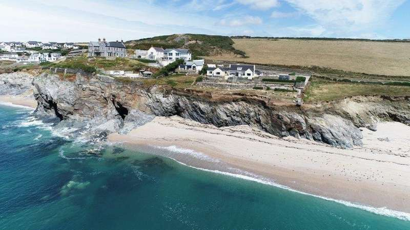 4 Bedrooms Property for sale in Dolphin Cottage Loe Bar Road Porthleven Helston Cornwall TR13 9ES