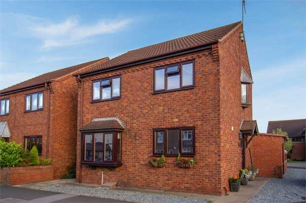 3 Bedrooms Detached House for sale in Main Road, Newport, Brough, East Riding of Yorkshire