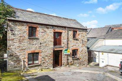 3 Bedrooms House for sale in Bodmin, Cornwall, England