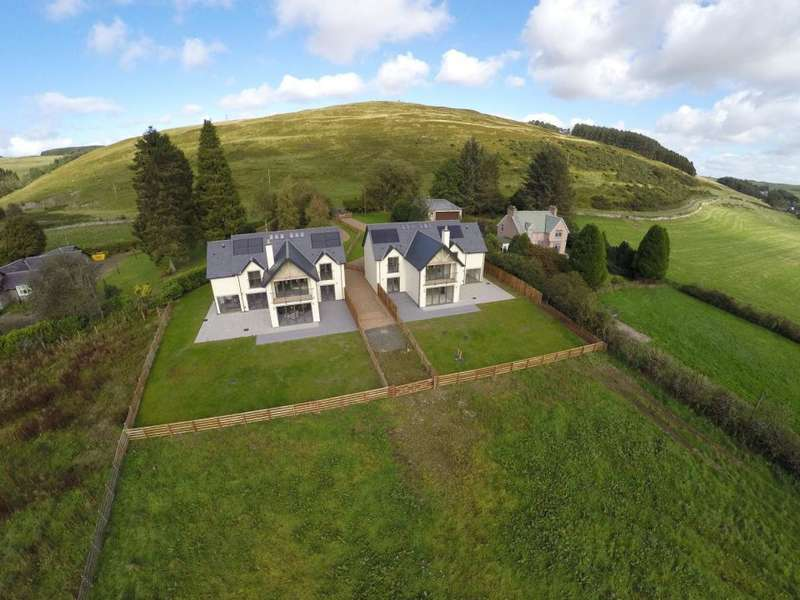 4 Bedrooms Detached House for sale in 2 The Paddock, Teinside Hawick, TD9 0LE