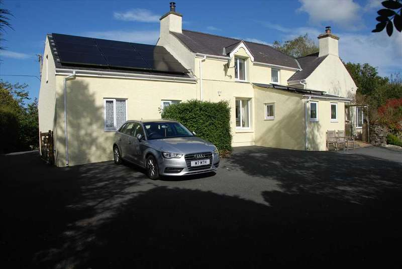 5 Bedrooms Detached House for sale in Penrhos Bach, Brynteg