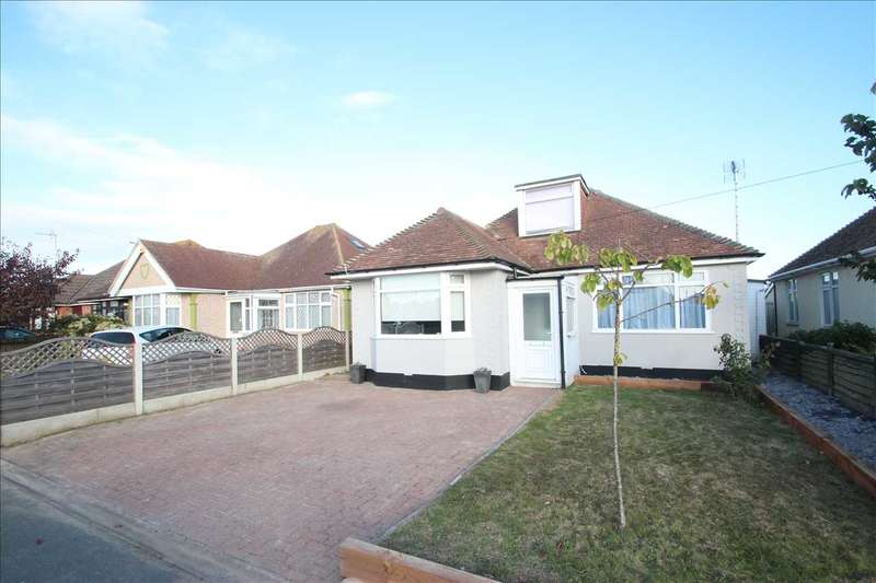 3 Bedrooms Bungalow for sale in Windsor Avenue, Clacton-on-Sea