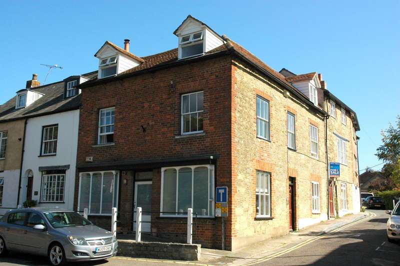 3 Bedrooms Town House for sale in The Old Clock Shop, Bridge Street, Sturminster Newton, Dorset, DT10 1BZ