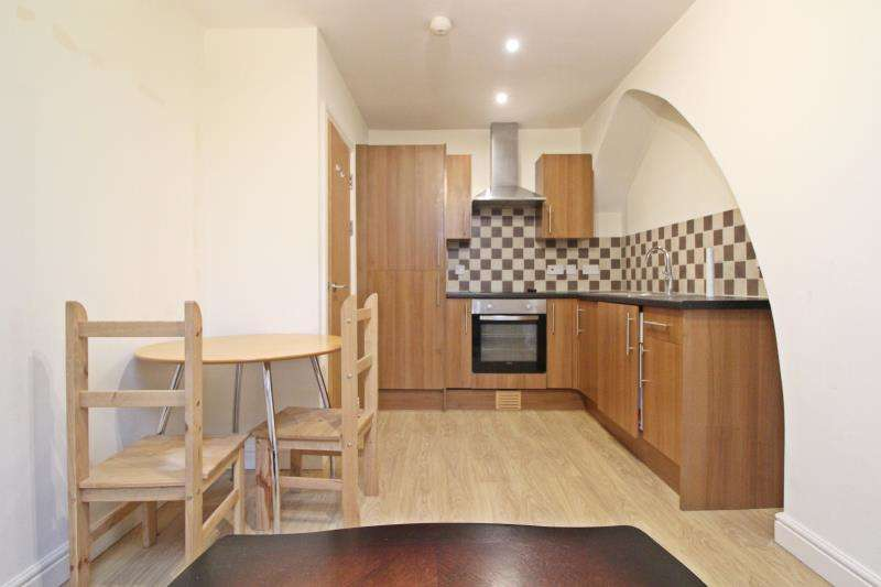 2 Bedrooms Flat for rent in Stow Hill, Newport -NP20 1TL