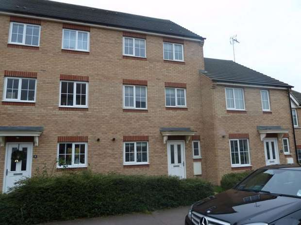 1 Bedroom House Share for rent in 6 Sandpiper Way, Leighton Buzzard, Bedfordshire
