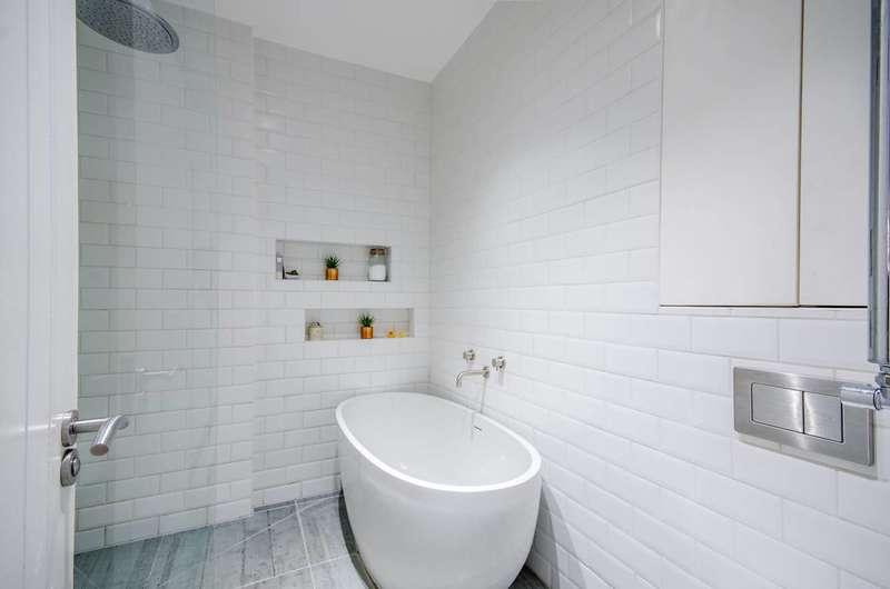 3 Bedrooms Flat for sale in Bird In Bush Road, Peckham, SE15