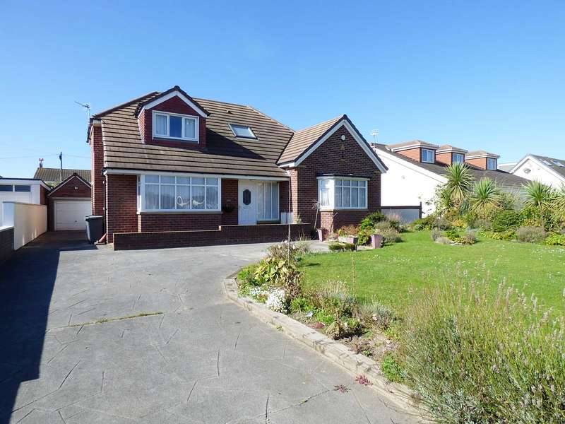 4 Bedrooms Detached Bungalow for sale in Clifton Drive North, St Annes