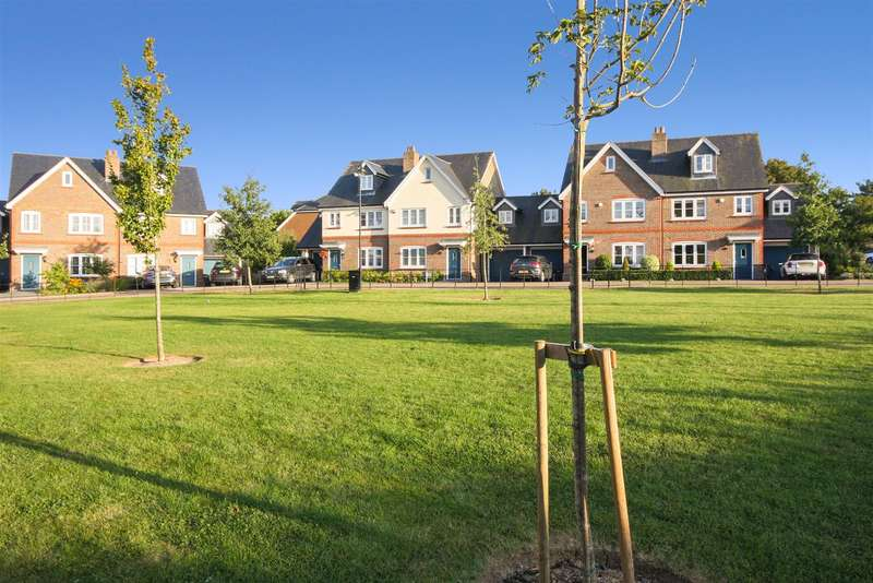 4 Bedrooms Semi Detached House for sale in Talbot Mead, Hurstpierpoint, Hassocks