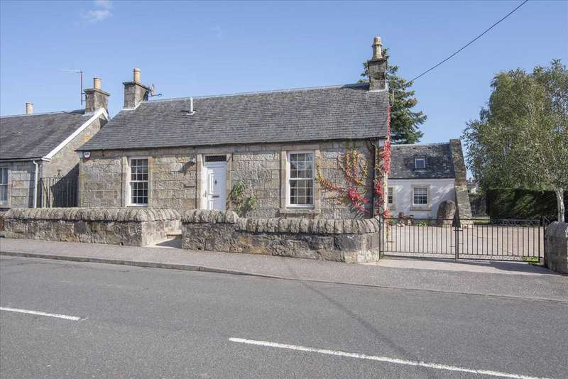 3 Bedrooms Detached House for sale in Appletree Cottage, 13 Devon Road, Dollar